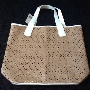 Saks 5th ave beach tote